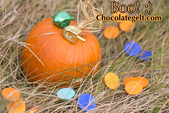 Chocolate gelt #lovechocolategelt #geltcreative Hanukkah is coming soon!